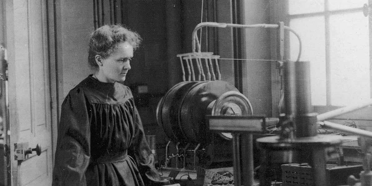 Did marie curie discover radium